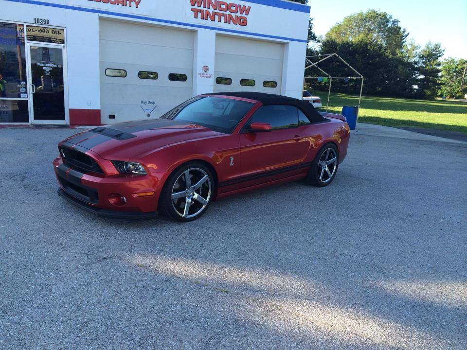 Freshly Lowered GT 500, 30% Tint and 20″ Niche Wheels